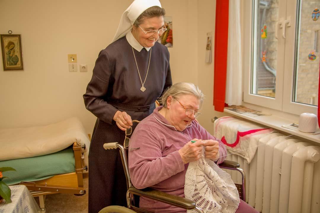 Besuch der Mitschwestern auf der Pflegestation