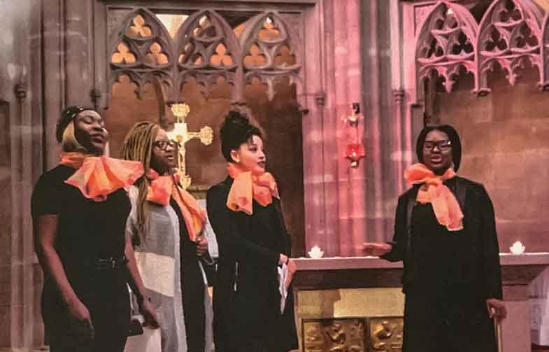 Die 4 Frauen des Gospel Chors Holy Kathleen während eines Konzertes in der Kapelle des Straßburger Mutterhauses